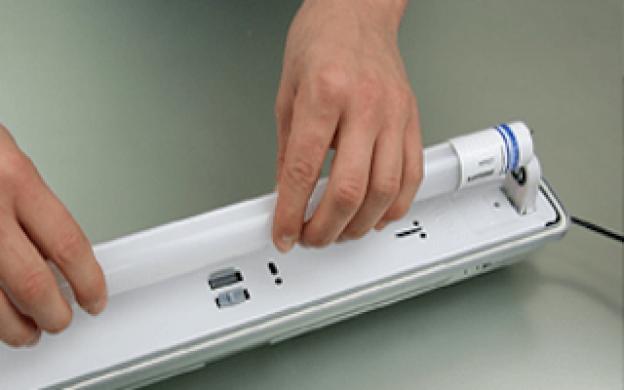 Hur byter du dina gamla T8 lysrör för LED rör i en armatur med en konventionell drivdon