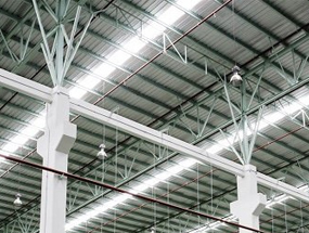 LED-high bays i ett industriellt läge