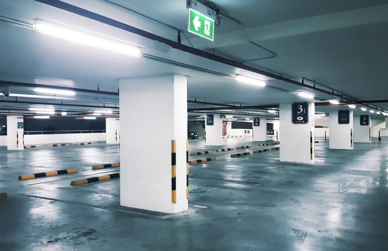 Lysrörsarmaturer Parkeringsgarage